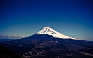 Blue-Sky-Fuji-at-Mount-Wallpaper-Images
